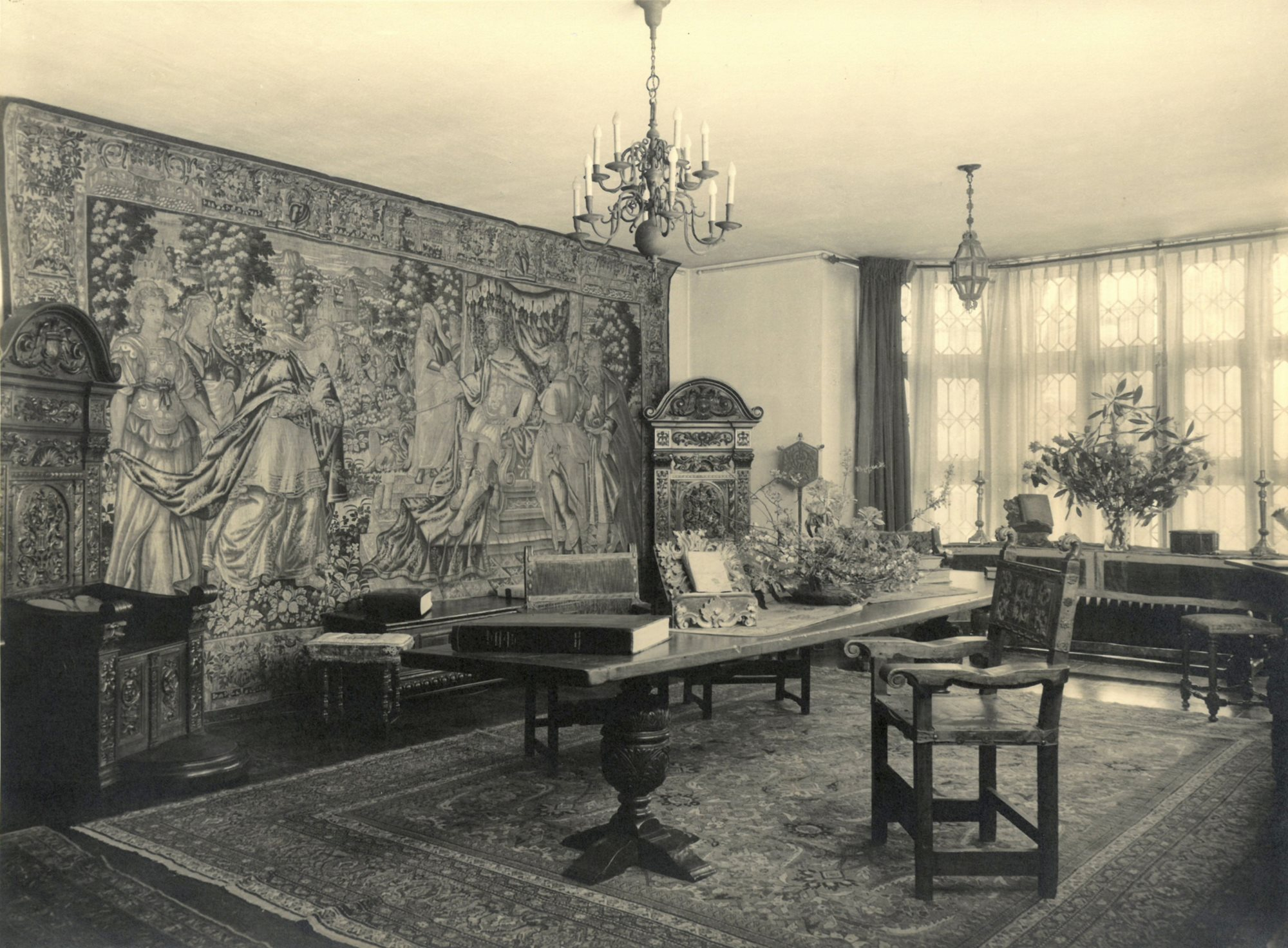Interior Shot of Virginia House, Gallery, East & North Angle, Archival Image Courtesy of the Virginia Museum of History and Culture