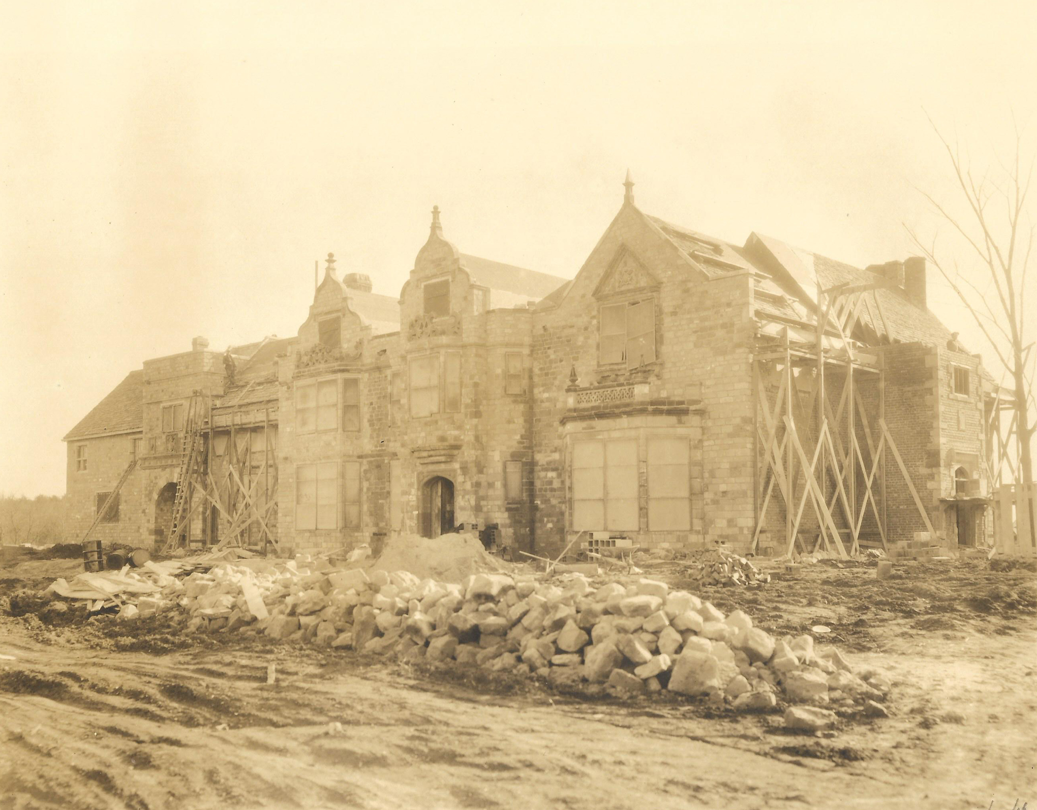 Virginia House Under Construction, Archival Image Courtesy of the Virginia Museum of History and Culture