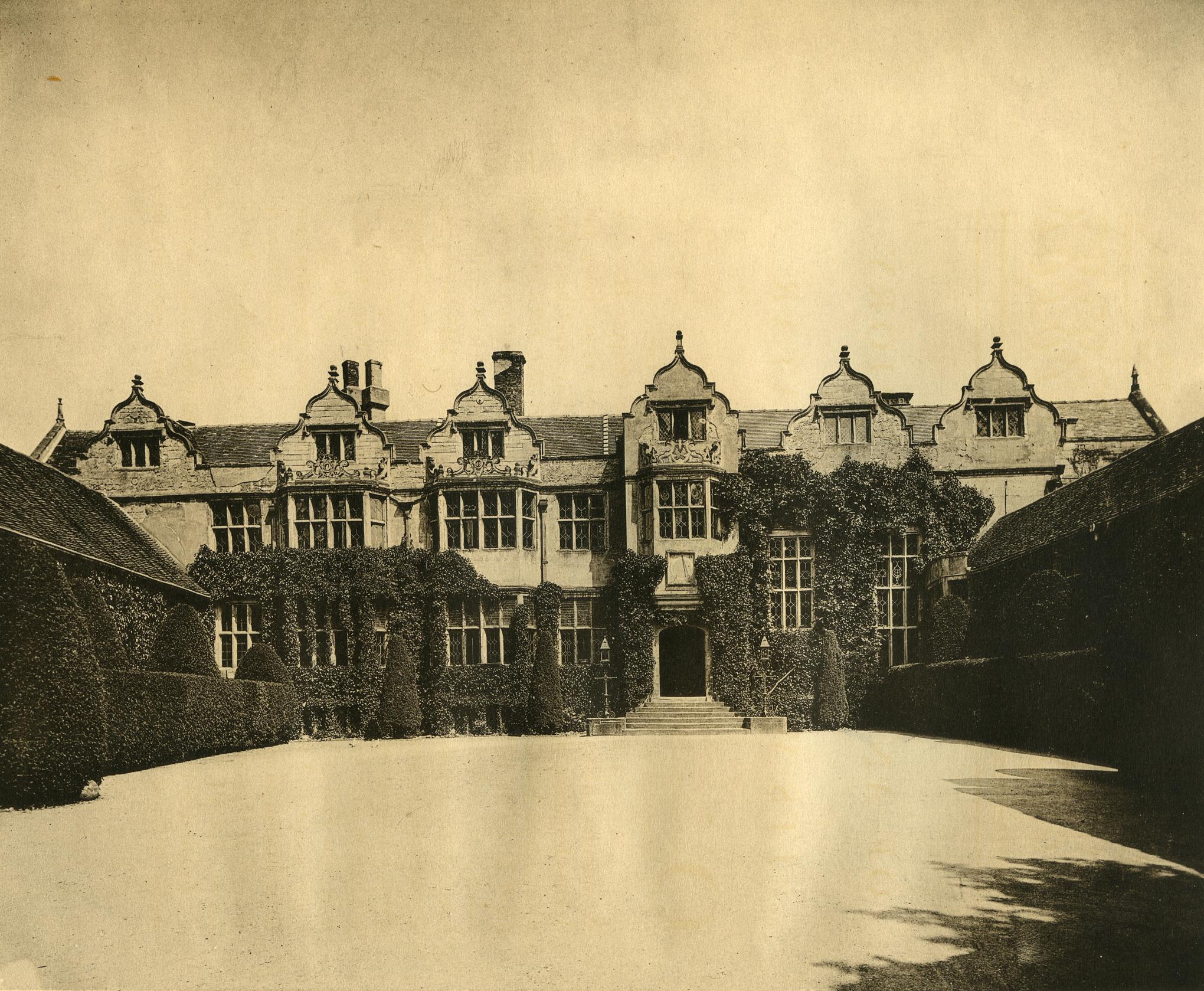Warwick Priory, c. 1910, as depicted in Alexander Weddell's