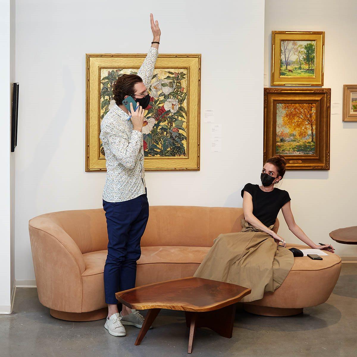 bidding during american art auction
