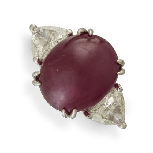 Lot 152 - A Burma ruby ring