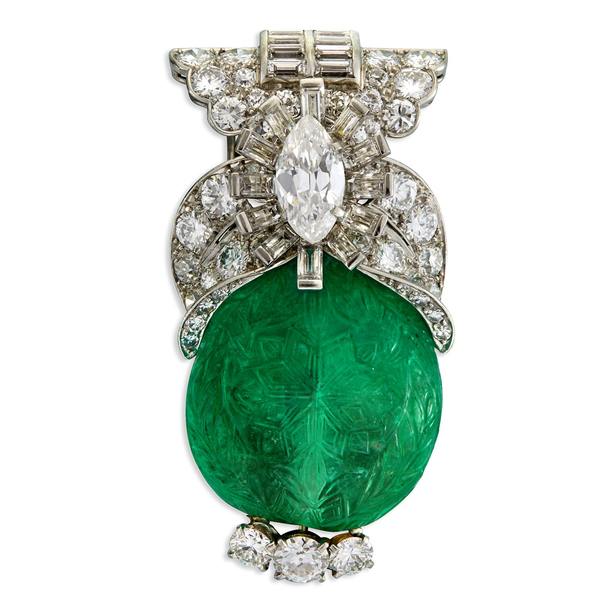 Lot 173 - A carved emerald, diamond, and platinum brooch, Cartier
