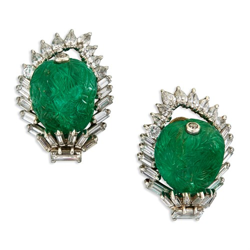 Lot 171 - A pair of carved emerald, diamond, and platinum ear clips, Monture Cartier
