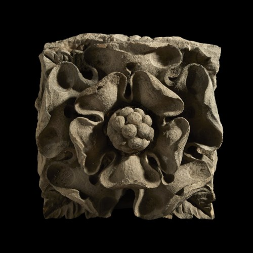 Lot 1 - AN ENGLISH LIMESTONE ARCHITECTURAL ELEMENT DEPICTING A TUDOR ROSE