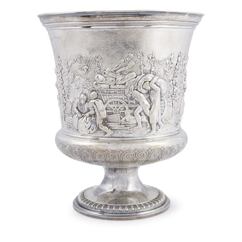 Lot 32 - A George IV sterling silver urn