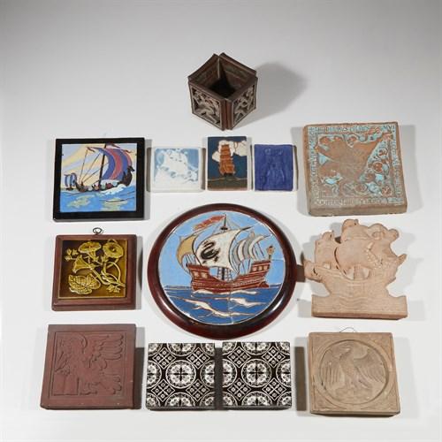 Lot 32 - Arts & Crafts/Art Pottery