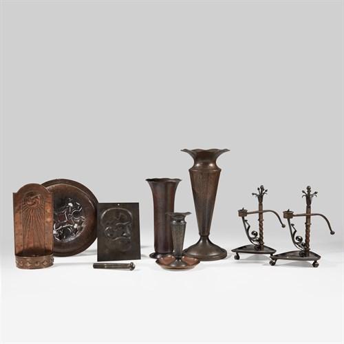 Lot 17 - Arts & Crafts