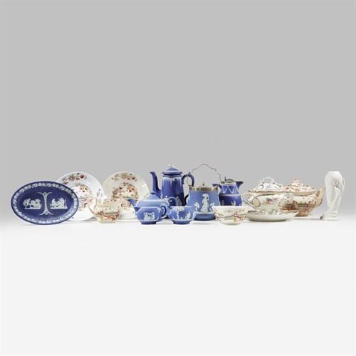 Lot 10 - Group of British ceramics and porcelain