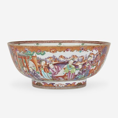 Lot 292 - A Chinese Export Porcelain Mandarin Palette Punch Bowl
