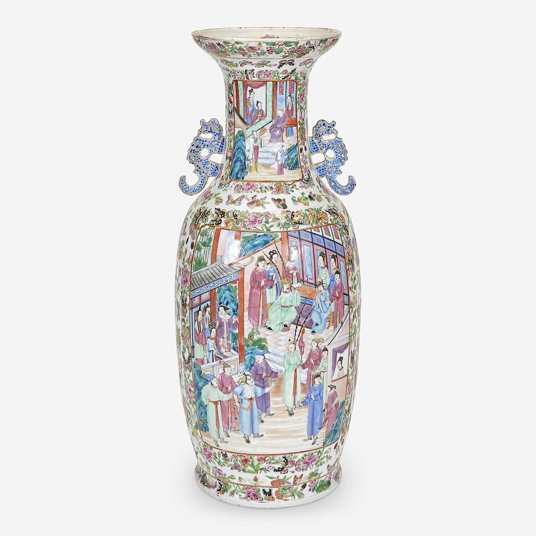 Lot 295 - A Large Chinese Export Rose Mandarin Vase