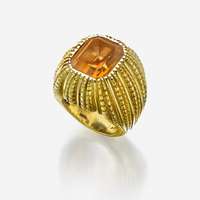 Lot 52 - An eighteen karat gold and citrine ring, Verdura