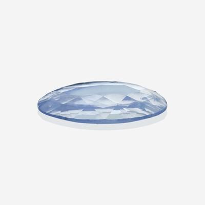 Lot 157 - A loose sapphire