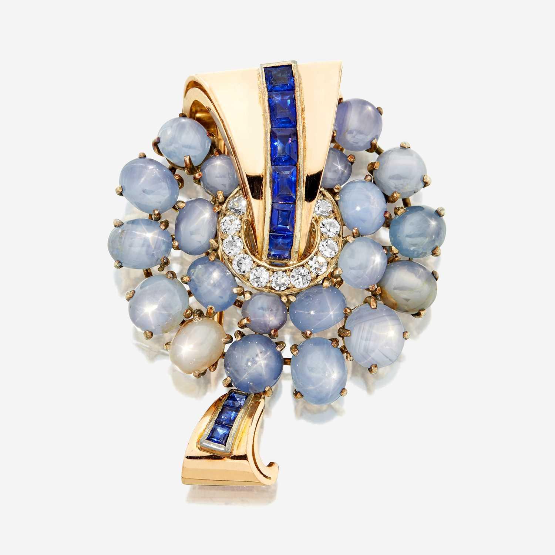 Lot 26 - A sapphire and diamond brooch