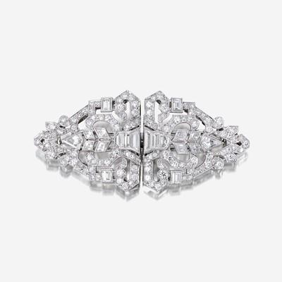 Lot 4 - An Art Deco diamond and platinum clip/brooch