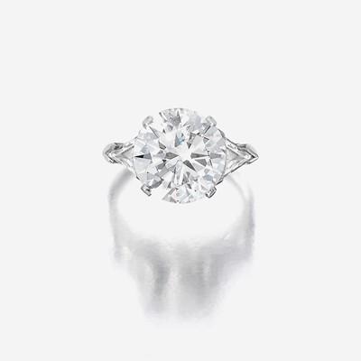 Lot 159 - A diamond solitaire
