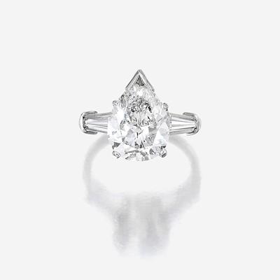 Lot 90 - A diamond solitaire