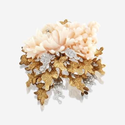 Lot 33 - An eighteen karat gold, coral, and diamond brooch