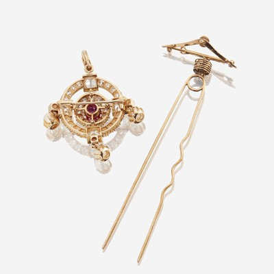 Lot 114 - An antique diamond and pink sapphire pendant/brooch/hair clip