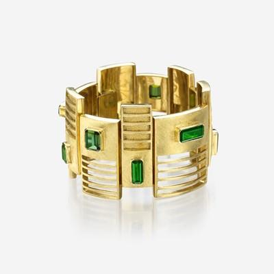 Lot 130 - An eighteen karat gold and green tourmaline bracelet, Burle Marx