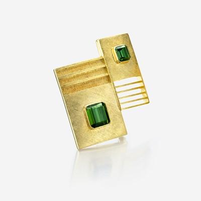 Lot 131 - An eighteen karat gold and green tourmaline brooch, Burle Marx