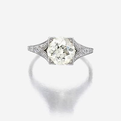 Lot 154 - A diamond solitaire