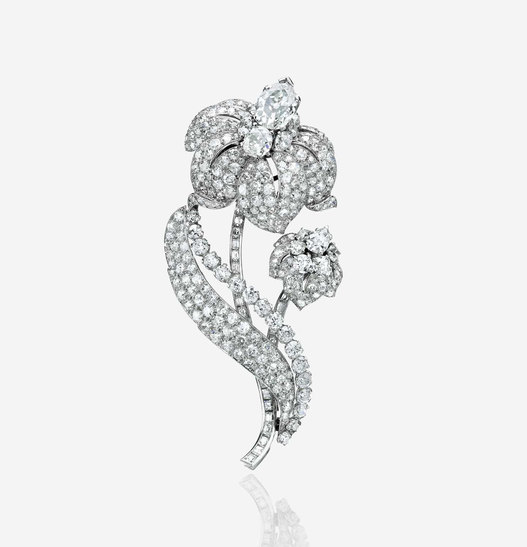 Lot 104 - A diamond and platinum clip brooch, Cartier
