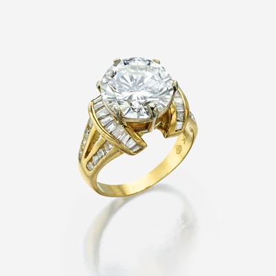 Lot 146 - A diamond solitaire