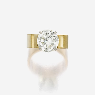 Lot 76 - A diamond solitaire