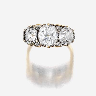 Lot 113 - A diamond and eighteen karat gold ring
