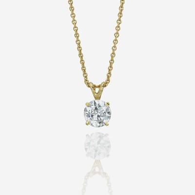 Lot 142 - A diamond pendant