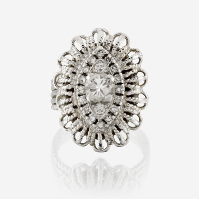 Lot 93 - A diamond and fourteen karat gold ring
