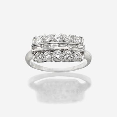 Lot 108 - A platinum and diamond ring