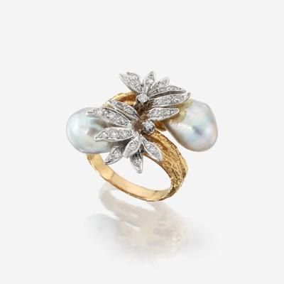 Lot 125 - An eighteen karat gold, baroque cultured pearl, and diamond ring