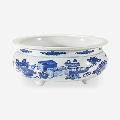 Lot 54 - A Chinese blue and white-decorated tripod censer