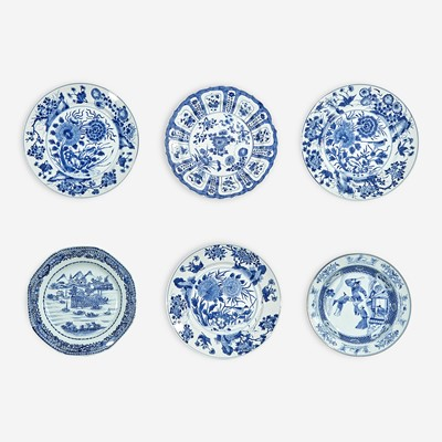 Lot 41 - A group of six Chinese blue and white porcelain dishes