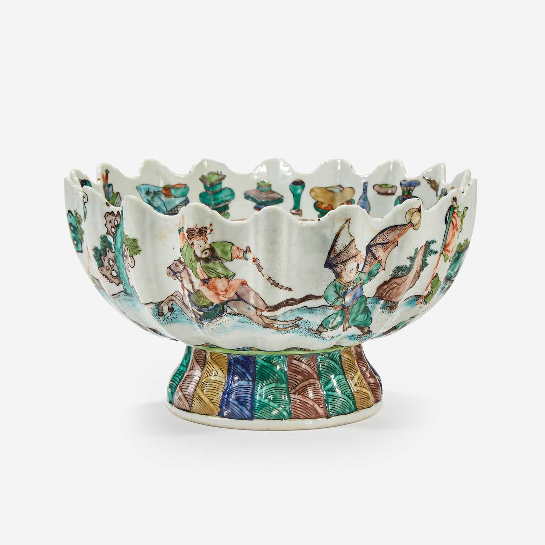 Lot 78 - A famille verte-decorated porcelain lobed bowl