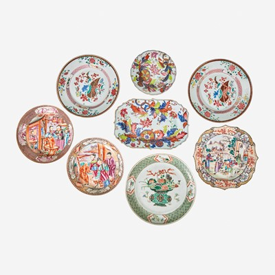 Lot 108 - An assorted group of eight Chinese Export porcelain tablewares