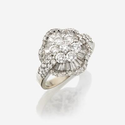 Lot 107 - A diamond and eighteen karat white gold ring