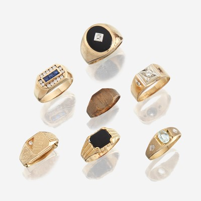 Lot 45 - A collection of seven gold rings