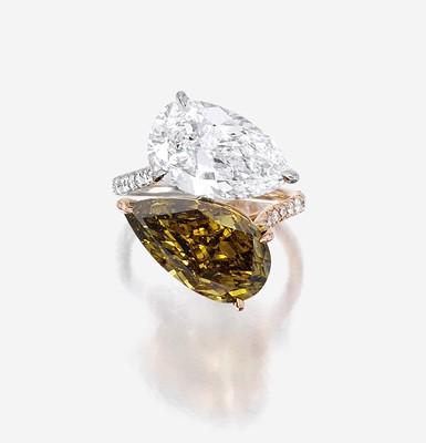 Lot 155 - A diamond, chameleon diamond, platinum, and eighteen karat rose gold ring