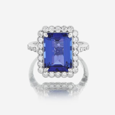 Lot 95 - A tanzanite, diamond, and eighteen karat white gold ring