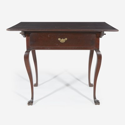 Lot 48 - A Queen Anne cherrywood tavern table