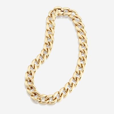 Lot 117 - A fourteen karat gold necklace