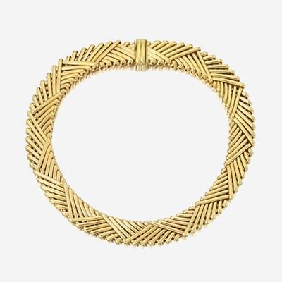Lot 78 - An eighteen karat gold necklace