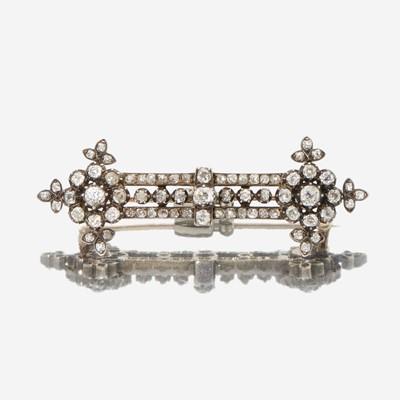Lot 5 - An antique diamond bar pin