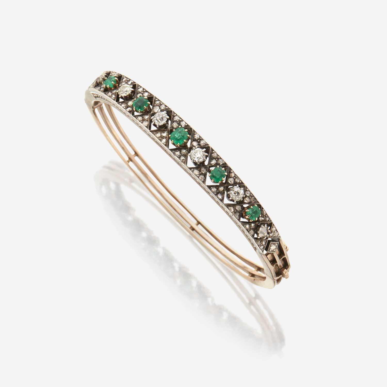 Lot 4 - An antique diamond and emerald bangle