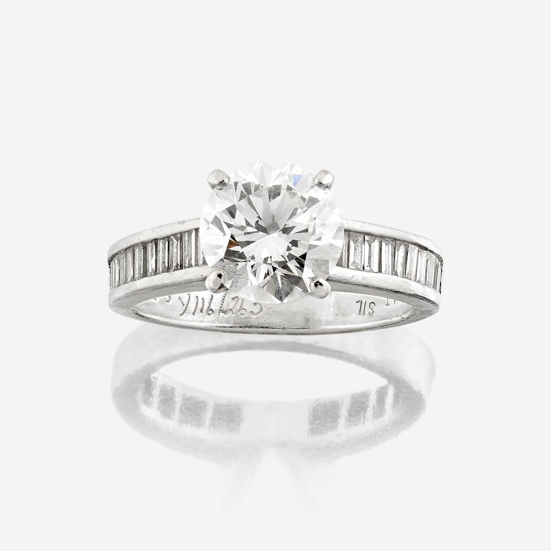 Lot 88 - A diamond solitaire