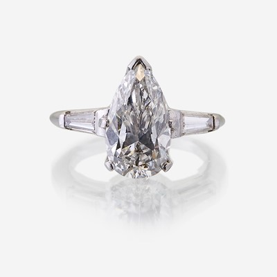Lot 68 - A diamond solitaire