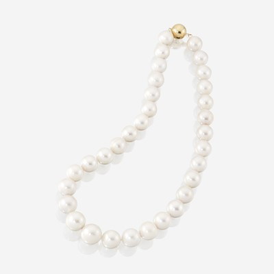 Lot 114 - A strand of South Sea cultured pearls