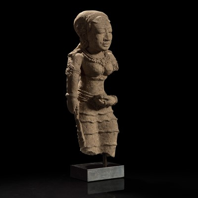 Lot 167 - A Javanese terracotta figure of a female, possibly Majapahit 爪洼陶俑 或满者伯夷